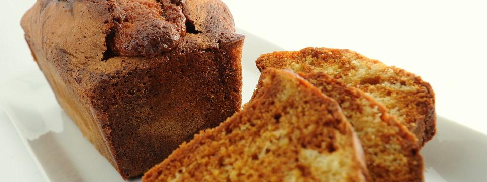 Cake marmorizzato alla vaniglia e caramello (C. Adam)